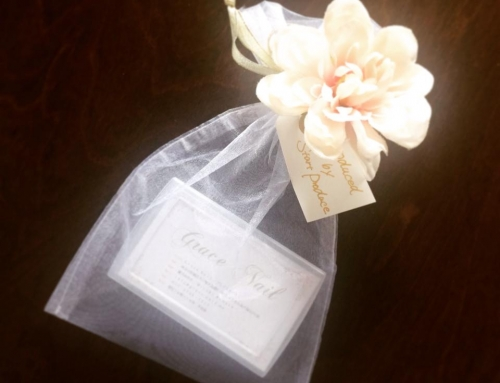 優しく美しい時間とネイルを届けるサロンのショップカード